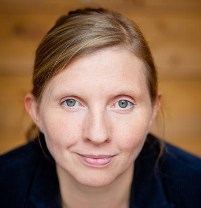 Corinna Rüffer mit einem bezaubernden Lächeln