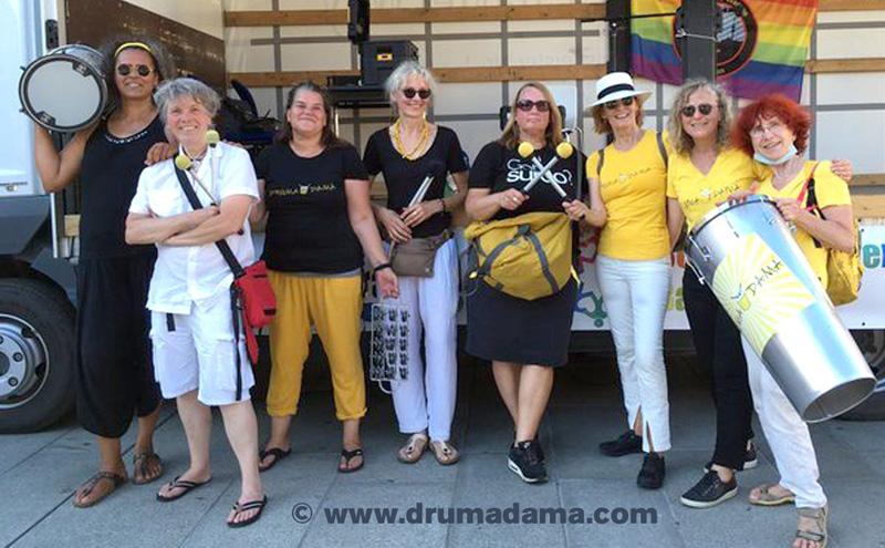 Die Drumadama-Trommlerinnen